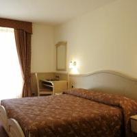 Beverly Hotel - (2)