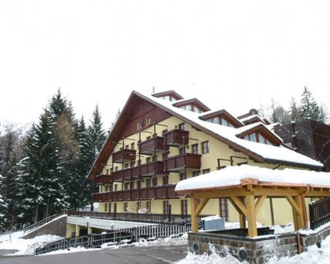 Orovacanze Nevesole Resort
