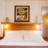 Hotel Holiday  - (10)